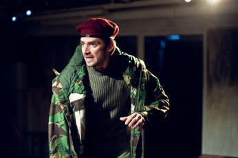 Philip Desmeules as King Henry (c) Lorna Palmer